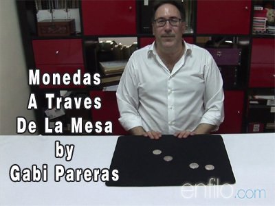 Monedas A Traves De La Mesa by Gabi Pareras